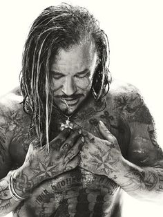 Interesting Facts About The Iron Man Trilogy - Mickey Rourke's Russian jailhouse inspired tattoos in Iron Man 2 - Mickey Rourke, Famous Men, Famous Faces, Famous People, Stunning Photography, White Photography, Portrait Photography, Iron Man, Black White Photos