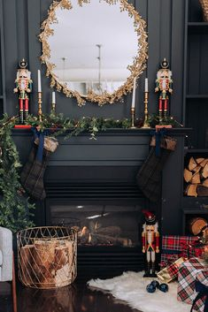 24 Christmas Fireplace Decorations, Know That You Should Not Do Artificial fir tree as Christmas decoration? A synthetic Christmas Tree or a real one? Lovers of art Diy Christmas Fireplace, Christmas Mantels, Plaid Christmas, Christmas Time, Christmas Tree Gold And Red, Fireplace Ideas, Gas Fireplace, Christmas Trends, Modern Fireplace