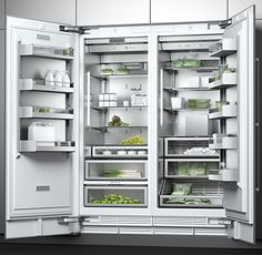 With its lavish LED lighting concept and perfected details, the new Gaggenau Vario cooling 400 Series offers all the benefits of modern storage technology. The Read Kitchen Dinning, Kitchen Decor, Kitchen Design, Kitchen Appliance Storage, Kitchen Appliances, Luxury Kitchens, Cool Kitchens, Modern Refrigerators, Kitchen Island Cart