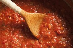 Homemade Italian Tomato Sauce to prepare; to cook; serves 6 INGREDIENTS 1 ounce) can crushed tomatoes medium white onion, diced 2 medium carrots, peeled and finely diced 4 medium garlic cloves, crushed 1 tablespoon sugar 3 tablespoons extra virgin Italian Tomato Sauce, Homemade Tomato Sauce, Homemade Pasta, Tomatoe Sauce, Tomato Salad, Sauce Recipes, Pasta Recipes, Cooking Recipes, Italian Dishes