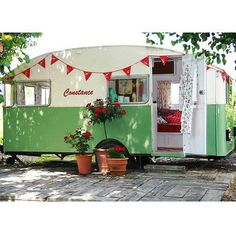 Obsessed with all things retro & caravan of late. I just read, My Cool Caravan, a collection of the best retro caravans I've ever seen!