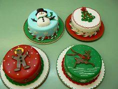 Wedding Cakes : Orlando's Premium Bakery : Bake Me A Cake Pastry Shop & Bakery Mini Christmas Cakes, Christmas Cake Decorations, Holiday Cakes, Christmas Goodies, Christmas Desserts, Christmas Baking, Bithday Cake, 60th Birthday Cakes, Mini Cakes