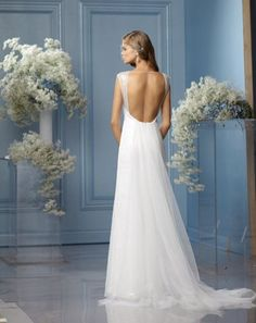 Watters backless wedding gown