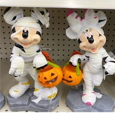 Disney Fan, Disney Style, Disney Halloween, Halloween Treats, Nightmare Before Christmas Merchandise, Disney Garden, Mummy Wrap, Disney Furniture, Disney Home