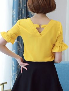 Specifications Product Name: V-Neck Plain Bell Sleeve Blouse Weight: Slee. 2019 summer t shirt summer nights t shirt sleeve summer t shirt half sleeve t shirts sleeveless tee t shirt t shirt dresses shirt bobo summer cup tshirt Sommerkleider Trend 2019 Dress Neck Designs, Blouse Designs, Blouse And Skirt, Dress Skirt, Stylish Outfits, Fashion Outfits, Womens Fashion, Fashion Blouses, Shirt Bluse