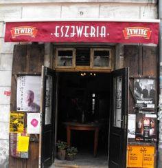 Kawiarnia Eszeweria to uroczy kawiarenka znajdująca się na magicznym, krakowskim Kazimierz.