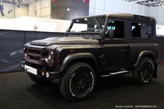 Land Rover Defender 90 Td4 Sw Se customized Twisted extreme adventure sports. KAHN.
