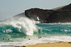 On South Oahu--known for it's giant waves Ocean Art, Ocean Waves, Soul Surfer, Learn To Surf, Sandy Beaches, Beach Bum, Hawaii Travel, Tahiti, See Picture