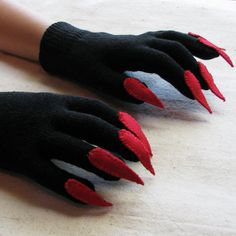 Gloves with claws, black and red, for Halloween costume or pretend play, one size stretch glove Halloween Ii, Halloween Items, Holidays Halloween, Vintage Halloween, Halloween Costumes, Halloween Makeup, Dinosaur Costume, Dinosaur Party, Owl Dress