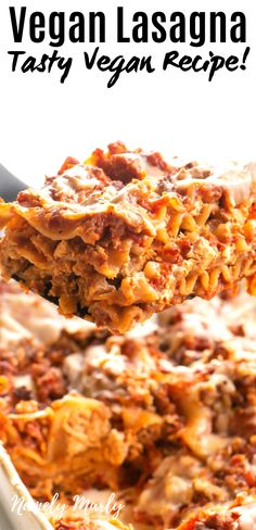 This is the BEST Vegan Lasagna Recipe ever! It's a classic pasta dish transformed into a delicious vegetarian dinner. Best Vegan Lasagna Recipe, Classic Lasagna Recipe, Easy Lasagna Recipe, Vegan Dinner Recipes, Delicious Vegan Recipes, Vegetarian Recipes, Lasagna Recipes, Whole30 Recipes, Dinner Healthy