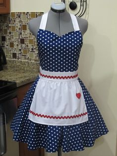 I Love Lucy Apron. Vintage Inspired Sweetheart Style with a handmade Heart-Cosp… I Love Lucy Apron. Vintage Inspired Sweetheart Style with a handmade Heart-Cosplay Cute Aprons, Sewing Aprons, Navy Fabric, Apron Designs, Creation Couture, Kitchen Aprons, Aprons Vintage, Diy Clothes, Fabric Design