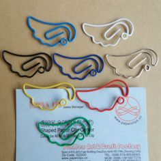 Cheap gift card party invitations, Buy Quality gift tshirt directly from China gift best Suppliers: Creative gifts, cat shape gift paper clip, photo clip paper clips, stationery student gifts bookmark. Paper Clips Diy, Paper Clip Art, Diy Paper, Cartoon Angel Wings, Cheap Gift Cards, D Craft, Wire Crafts, Student Gifts, Wire Art