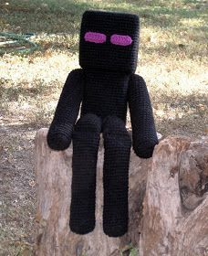 Finn is pretty consistent with his two main loves – Minecraft and Pokemon Go. This week we bounce back to Minecraft with this amazing Enderman plush, with a free pattern to boot! Pattern by W… Crochet Pattern Free, Minecraft Crochet Patterns, Minecraft Pattern, Plush Pattern, Minecraft Knitting, Crochet Crafts, Crochet Dolls, Knit Crochet, Crotchet