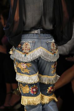 Dolce and Gabbana Spring Summer 2017 Milan Fashion Week Fashion Details, Look Fashion, Trendy Fashion, High Fashion, Fashion Beauty, Fashion Show, Womens Fashion, Fashion Design, Classy Fashion