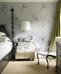 Chic bedroom by Lynne Scalo Mirror Bedside Table, Mirrored Side Tables, Dresser As Nightstand, Funky Wallpaper, Butterfly Wallpaper, Wallpaper Ideas, Interior Decorating, Interior Design, Decorating Ideas