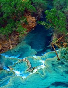Havasu Falls, in the Grand Canyon, Arizona. Travertine marble pools and sky blue water Havasu is a canyon in a canyon. Places Around The World, Oh The Places You'll Go, Places To Travel, Places To Visit, Camping Places, Havasu Falls Arizona, Havasupai Falls, Havasupai Arizona, National Parks
