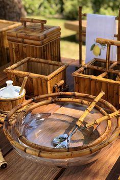 Sim, temos todos os itens possíveis em Bambu! Eles são essenciais para transformar os ambientes em locais sofisticados e superelegantes. 💚 #naturalchic #vestindoamesa #tableware #tabletop #mesaposta #tabledecor #decoracao #decoration #tablesetting #tableset #porcelana #decor #decoración #vintage Rustic Fall Decor, Catering Display, Rustic Kitchen Design, Bamboo Crafts, Bamboo Furniture, Coffee Shop, Table Settings, My Dream Home, Home Decor