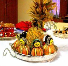 Dancing Ladies Decorated in Orange Thali Decoration Ideas, Fruit Decorations, Festival Decorations, Engagement Decorations, Indian Wedding Decorations, Coconut Decoration, Fruit Crafts, Marriage Decoration, Wedding Plates