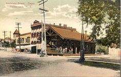Anderson–Jerome Avenues - The Anderson Street Station had a wood siding with a shingled roof, two brick chimneys off the roof and two asphalt platforms in both directions. The station also had a garage door on the southern side of the building. No official style of architecture was mentioned for Anderson Street in the 1920 Final Engineering Report due to lack of design.[1] Nearby, a wooden watchman's shanty was constructed near the team track.