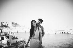 Maria Benitez fotografia· Fotógrafos de bodas · Destination wedding photographer · Preboda · Sesión de pareja · Engagement · Fotos de pareja · Couple · Cute · Tarifa . Cadiz . Summer . Puerto . Muelle . Dock