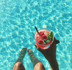 drinks by the pool Summer Vibes, Summer Feeling, Summer Pool, Summer Beach, Summer Of Love, Summer Fun, Pool Photography, Summer Pictures, Summer Aesthetic