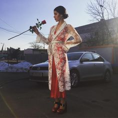 "5,932 aprecieri, 60 comentarii - Den (@potecaru_denisa) pe Instagram: ""Roses are forever! Nu uitați  sa ma votați!❤️❤️ Va pup!"" Bloody Mary, Kimono Top, Wallpapers, Inspiration, Instagram, Tops, Women, Style, Fashion"