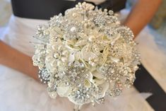 Pearl brooch wedding bouquet