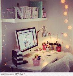 Re-doing my desk like this!!