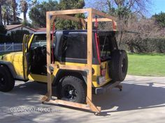Jeep hardtop hoist **Image link is broken on the clickthrough; However, it does have a rough step by step for construction. Great idea here** Jeep Jk, Auto Jeep, Jeep Wrangler Tj, Jeep Gear, Jeep Rubicon, Jeep Truck, Jeep Garage, Ford Trucks, Accessoires De Jeep Wrangler