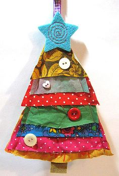 A lovely idea for a handmade Christmas tree, using fabric scraps. Christmas Makes, Christmas Art, Christmas Projects, Winter Christmas, Christmas Ornaments, Handmade Decorations, Christmas Decorations, Handmade Ornaments, Navidad Diy