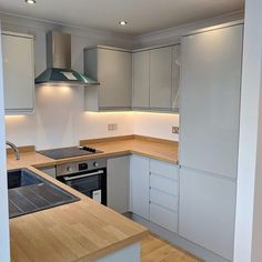 Brighten up your compact kitchen using light colours to reflect light around your room, instantly adding the feeling of space. Kitchen Room Design, Home Decor Kitchen, Kitchen Interior, New Kitchen, Home Kitchens, Mini Kitchen, Space Kitchen, Handleless Kitchen, Compact Kitchen