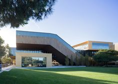 The design of this university building in California by Diller Scofidio + Renfro comprises two interlocking strands.