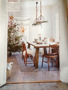 Kitchen Dining Table, Xmas, Table Decorations, Kitchen, Furniture, Home Decor, Cooking, Decoration Home, Room Decor
