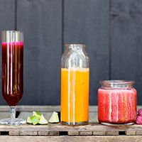 Healthful Pursuits - healthy vegan and gluten-free recipes. Great smoothie recipes, as well as baking and meal ideas. Sometimes uses hard-to-find ingredients.
