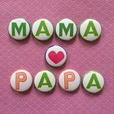 Mama & Papa - Magnete Set im Stoffsäckchen m. Herz von designbykaro auf DaWanda.com
