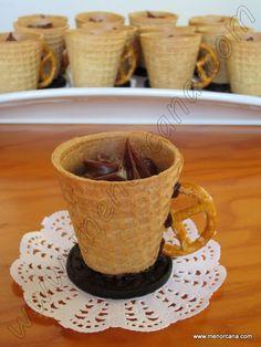 Tazas de barquillo con trufa a la naranja