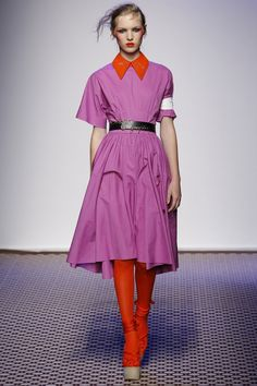 Purpur & Tangerine, Olympia Le-Tan Spring 2016 Ready-to-Wear Fashion Show Olympia Le Tan, Purple Fashion, Love Fashion, Fashion Show, Fashion Outfits, 2016 Fashion Trends, Fashion Week 2016, Paris Fashion Week, Runway Fashion