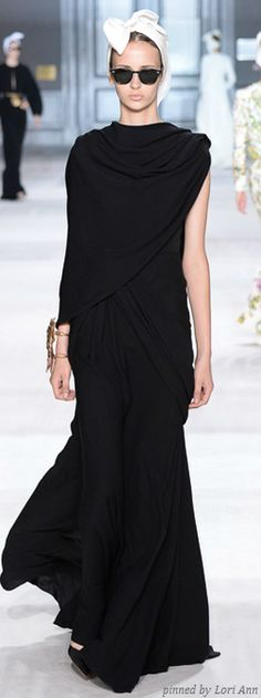 Giambattista Valli Couture Fall 2014 - I am loving everything he is doing at the moment.