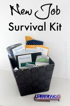 Do you know someone starting a new job? Help them through their first week by creating this new job survival kit. How to create a new job survival kit, featuring SNICKERS bar. New Job Survival Kit, Survival Kit Gifts, Survival Supplies, Office Survival Kit, Survival Gear, Survival Hacks, Dorm Survival Kits, Survival Prepping, Survival Hunter