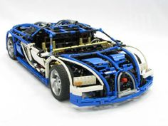 Insane LEGO Replica of World's Most Expensive Car (Working 7 Speed Transmission!) Bugatti Veyron Supersport with a top speed of 545 KMPH Bugatti Veyron, Bugatti Cars, Lego Technic, Lego Boards, Lego Builder, Lego Construction, Cool Lego Creations, Most Expensive Car, Lego Models