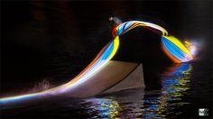 O fotógrafo Patrick Rochon , criou um conceito diferente de light paiting, ele clicou uma equipe de wakeboarders com luzes coloridas em suas pranchas.