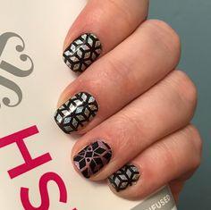 New manicure! . . #jamberry #matteblackjn #geodiamondjn #geodiamondjnlayeredover #pixiejn #newcatalog #solitudejn #layeredwraps #sparkly #bstorysjams #february #2017