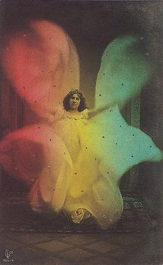 loie fuller Lois Fuller, Vintage Photos Women, Dance It Out, Art Nouveau, Modern Dance, Dance Art, Light Colors, Colours, Women In History