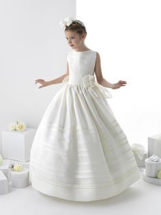 Nectarean Ball Gown Sleeveless Bow(s) Floor-length Satin Communion Dresses
