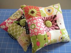 Sew Spoiled: Tic Tac Toe Pin Cushion Tutorial