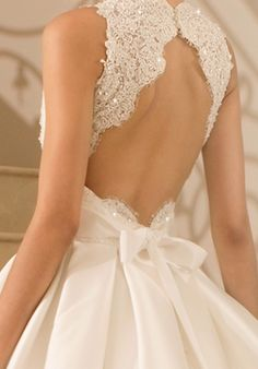 How cute is the bow on the back? #AllAboutTheBass #BackDetails #weddingdress