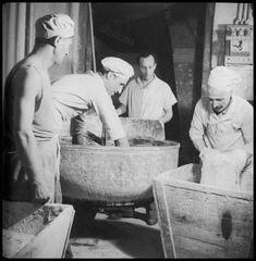 https://flic.kr/p/Fn3dAo | Αρτοποιοί, 1950 - 1960. Βούλα Παπαϊωάννου, Φωτογραφικό Αρχείο Μουσείου Μπενάκη.