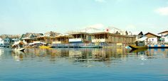 Kashmir houseboats, book houseboats Kashmir, Houseboats Kashmir , Kashmir Houseboat Booking Online, Dal Lake houseboats, houseboats on Nigeen Lake, J & K Tourism, book houseboats online