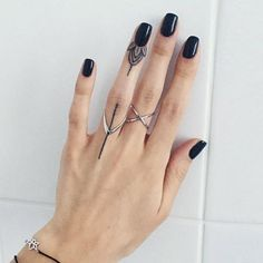 13 Tattoos Prettier Than Your Flashy Rings - Boho Chic Best Picture For tattoo designs For Your Taste You are looking for something, and it is - 13 Tattoos, Mini Tattoos, Boho Tattoos, Body Art Tattoos, Tatoos, Finger Tattoo For Women, Small Finger Tattoos, Finger Tats, Small Tattoos