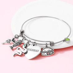 19 Super Ideas For Its My Birthday Quotes Humor Lol Riverdale Merch, Riverdale Fashion, Riverdale Funny, Bughead Riverdale, Riverdale Betty, Cute Jewelry, Jewelry Bracelets, Bangle Bracelet, Jewelry Shop